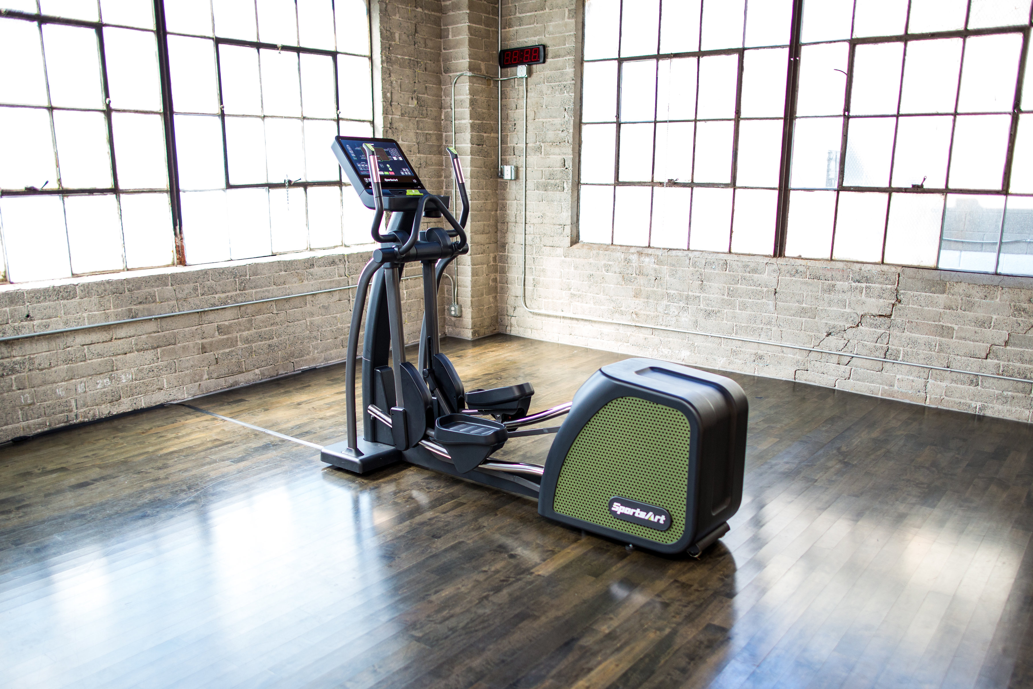 G876 ECO-POWR Elliptical